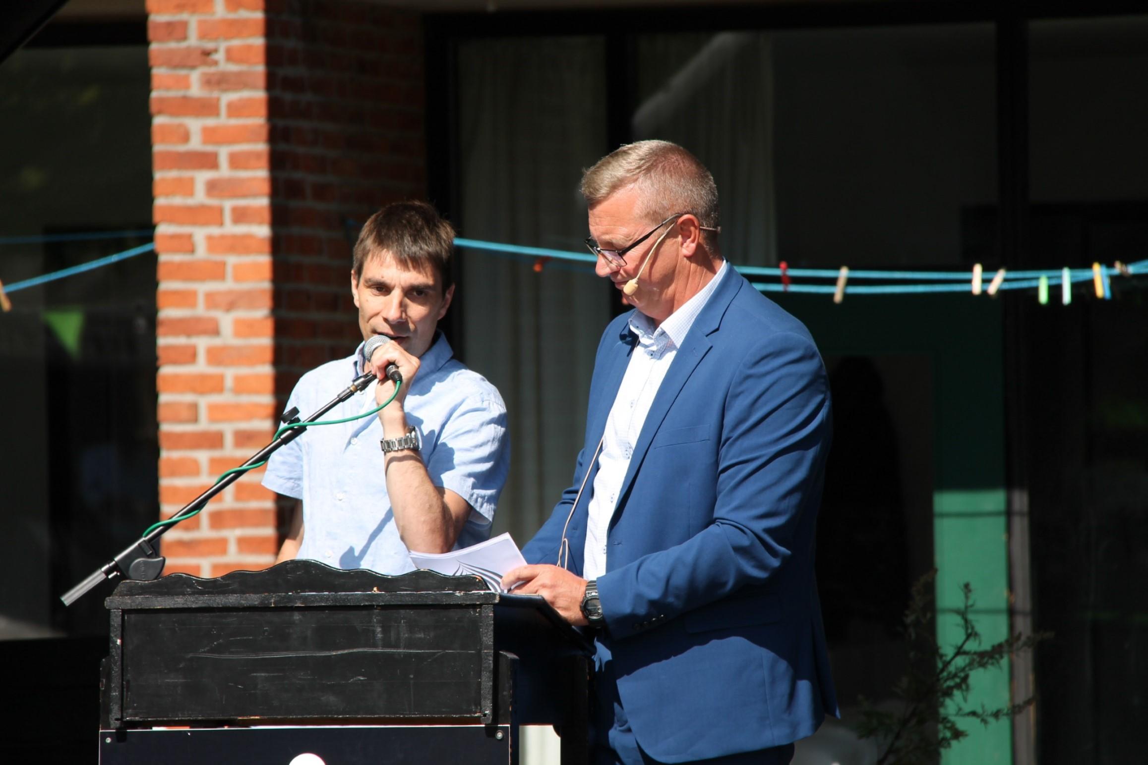 UFLs næstformand Jonas Aamand holder tale